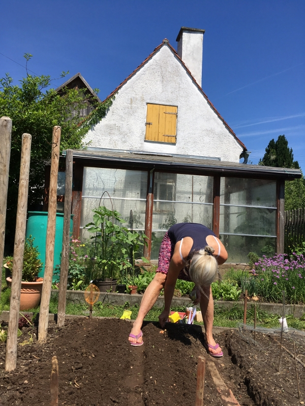 Gudrun Glock amüsierte sich mit den Gartenschwestern