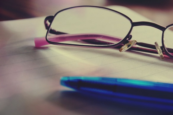 glasses-919304_1920