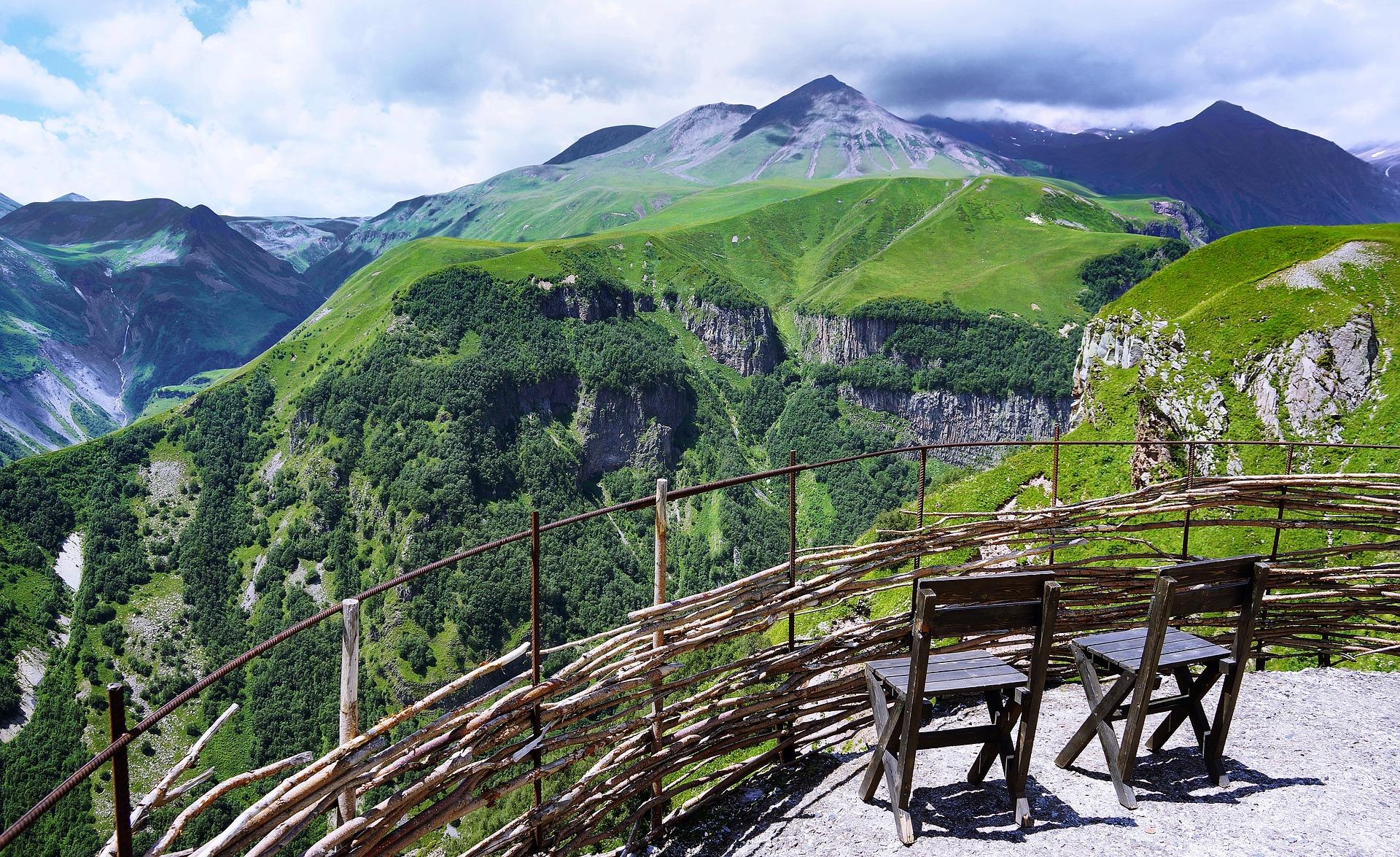 mountains-3098410_1920