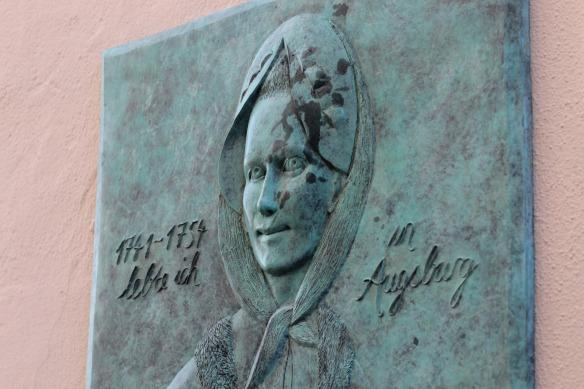 memorial-plaque-5125465_1920